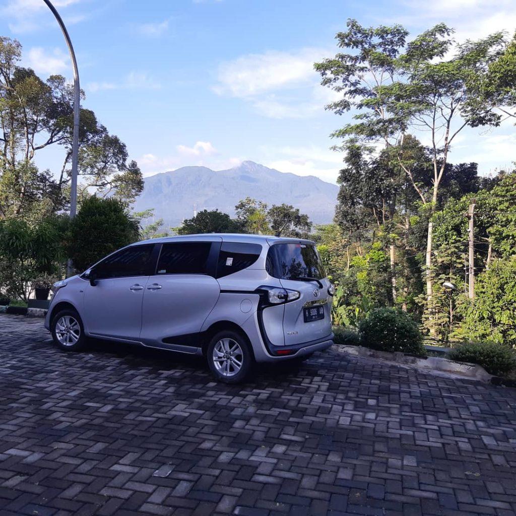 Sewa Mobil Sienta Semarang Terbaik