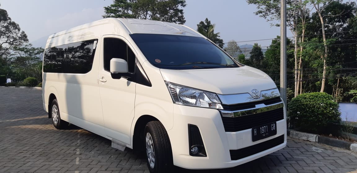 Info Sewa Mobil Hiace Premio di Semarang